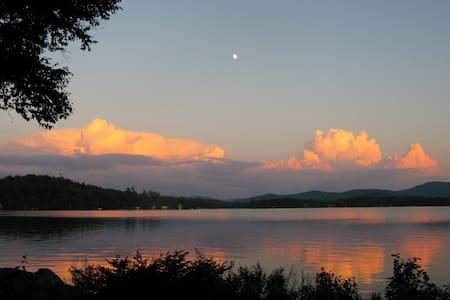 Adirondack Lakefront Home/Boathouse - Owls Head - Diğer