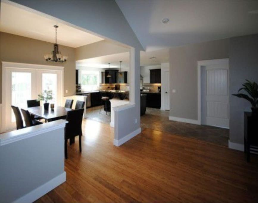 Open plan dining, kitchen and living room