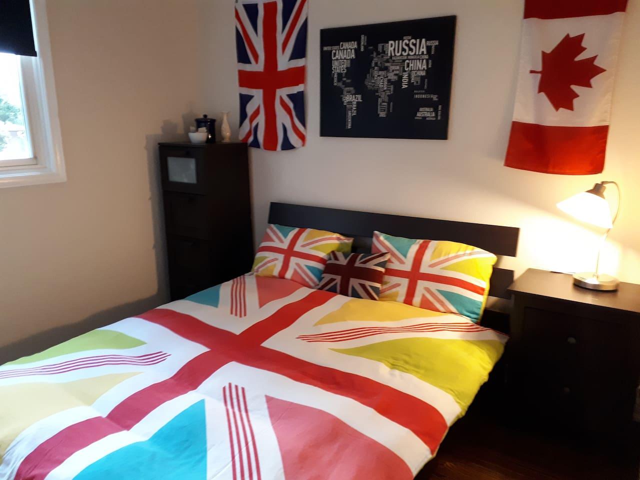 Trendy UK themed room