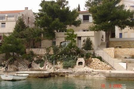 Haus direkt am Meer gelegen - Klek