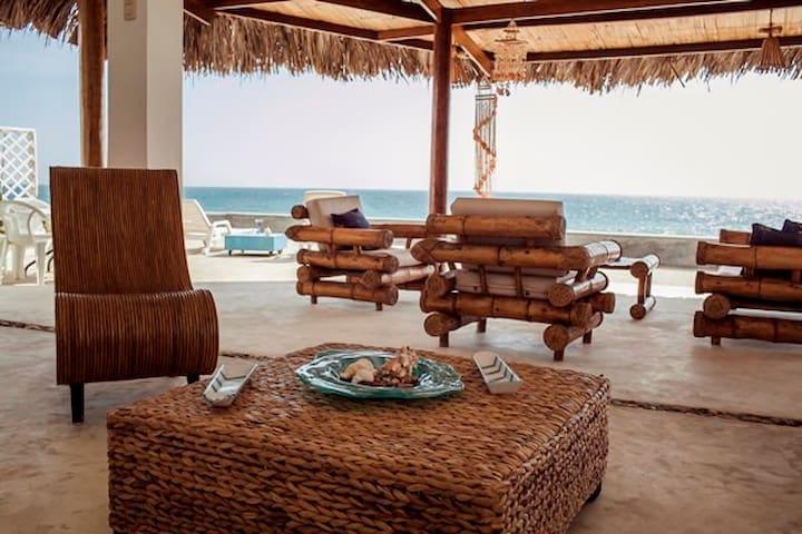 Casa Gonzales Gonzales - Punta Sal fam. y amigos - Punta Sal