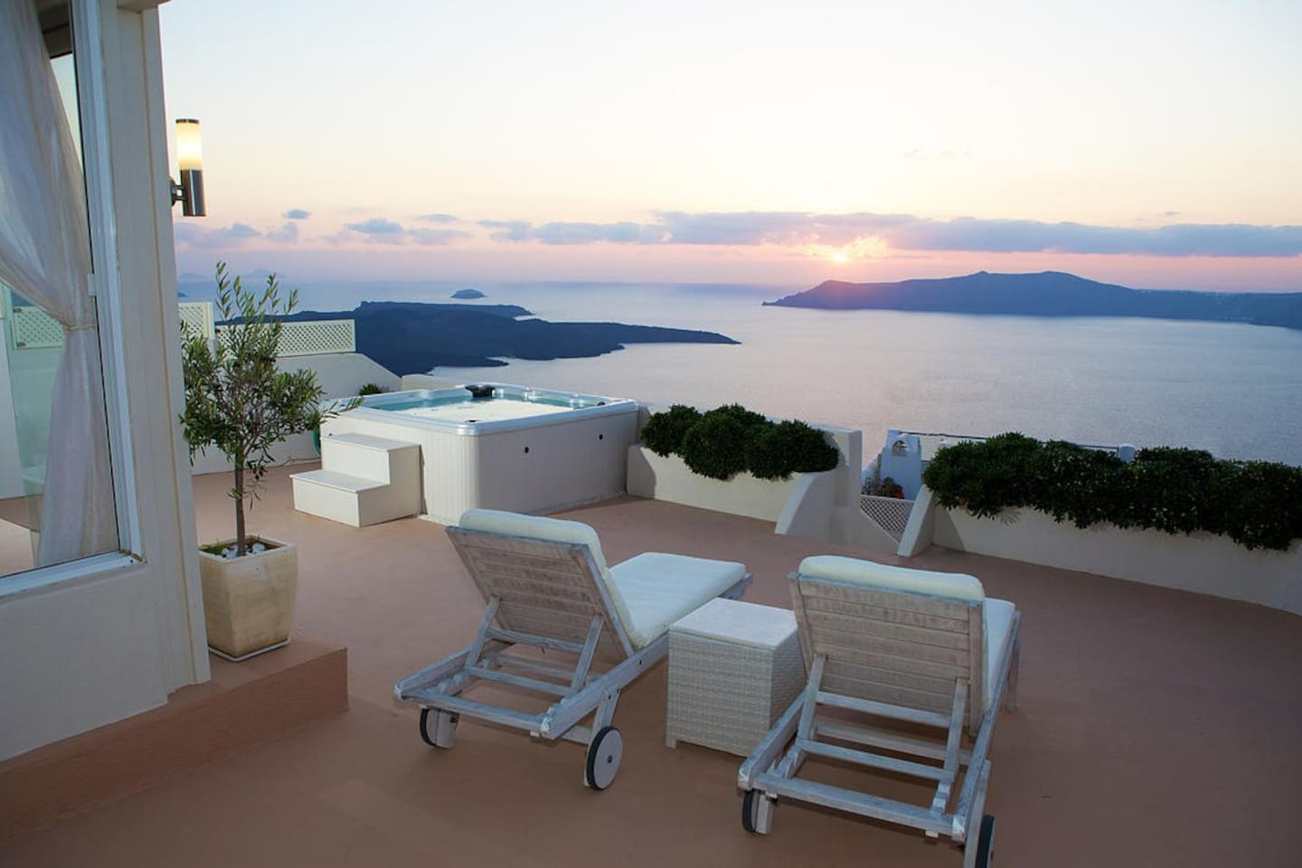The terrace includes a bar & kitchen, perfect for preparing your favorite summer drinks.  The stylish outdoor lounge & 6 seater dining furniture create a fantastic place to watch the astonishing sunsets that make Santorini famous.