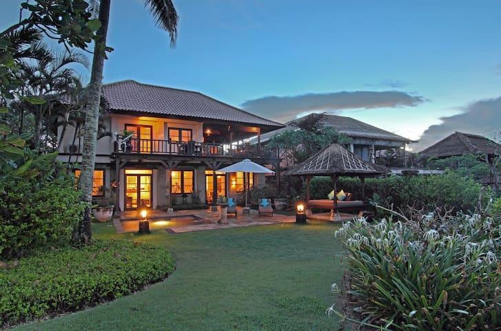 Nirwana, 4 Bedroom Villa, Car+Driver, Tanah Lot