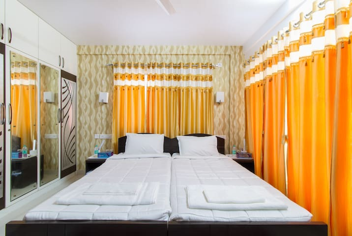 Prasad Stay Manyata Tech Park - Executive Room - Bangalore - Bed & Breakfast