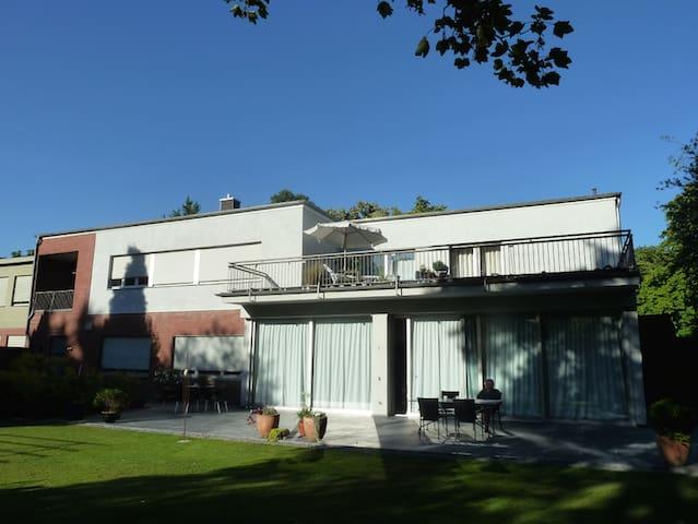 Villa-V where Culture meets Nature - Viersen - Oda + Kahvaltı