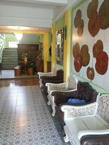 Love Antiques Resort - Na Chom Thian - Bed & Breakfast