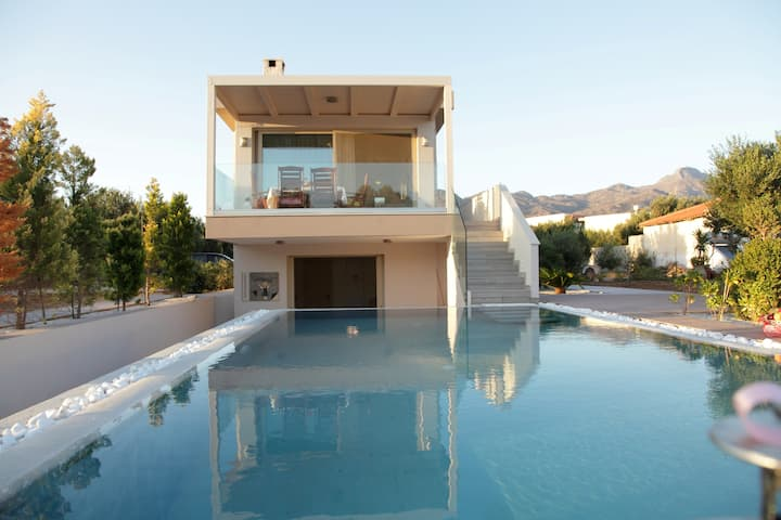 Luxus-Villa am Strand Pelagos