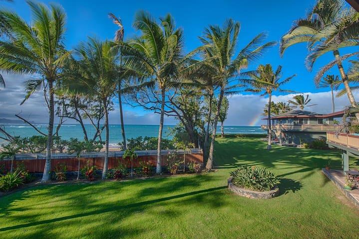 Maui Oceanfront on the Beach! Stunning Ocean Views