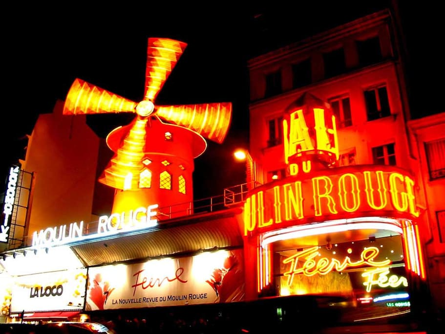 Famous moulin rouge, just right by
