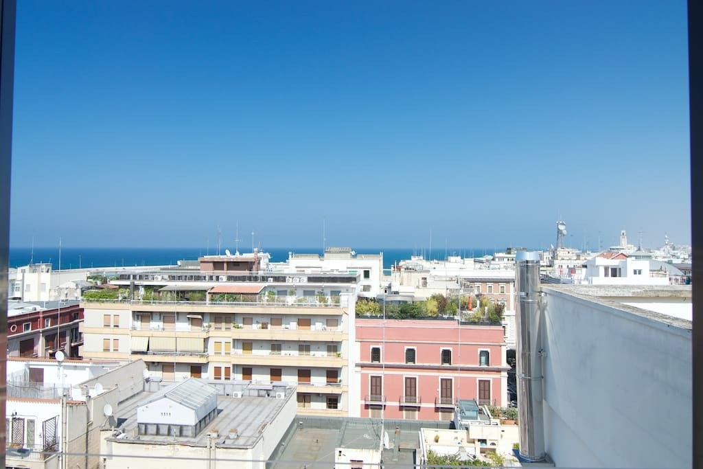 Mini flat overlooking the sea