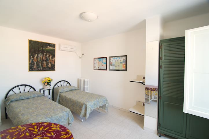 Mini flat overlooking the sea - Bari - Apartemen