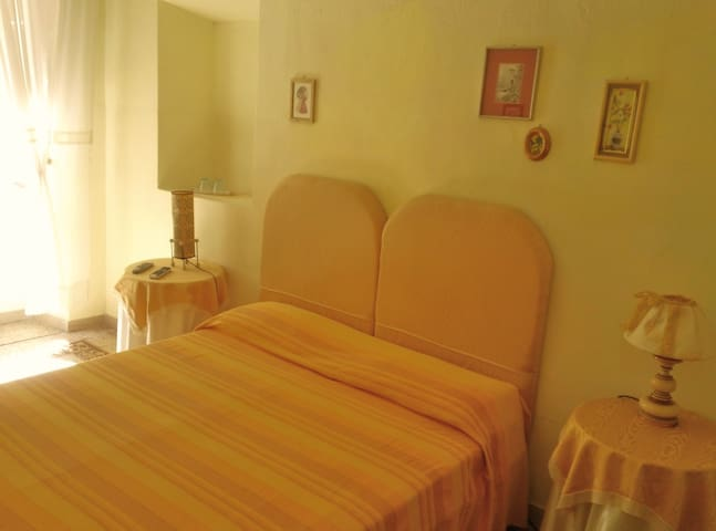 Quaint B&B in Lucca Center with shared bathroom - Lucca - Bed & Breakfast