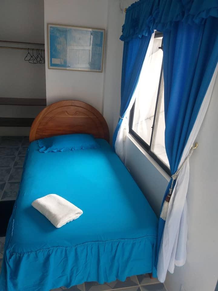 HOTEL INSULAR habitación privada cerca a la  playa