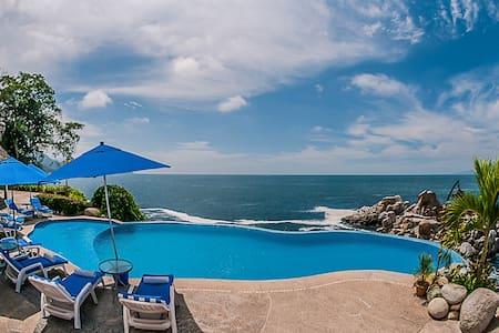 Villa Mia 9 Bedrooms: 107455 - Boca de Tomatlan - Villa