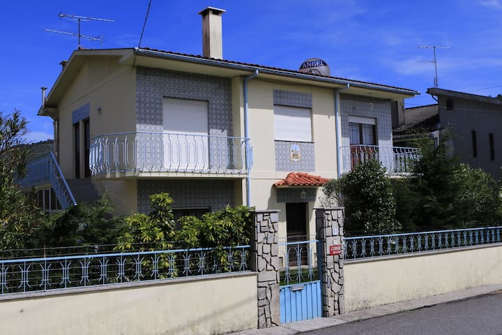 House in Braga with 3 Bedrooms - Gualtar - House