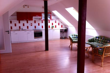 Spacious loft at calm suburb - Praga