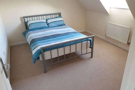 Large double room in large detached house