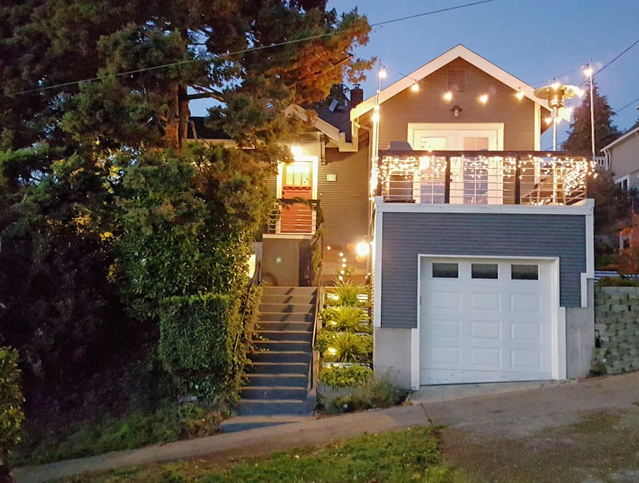 Street view of Fremont House, a charming Seattle craftsman only minutes from Downtown