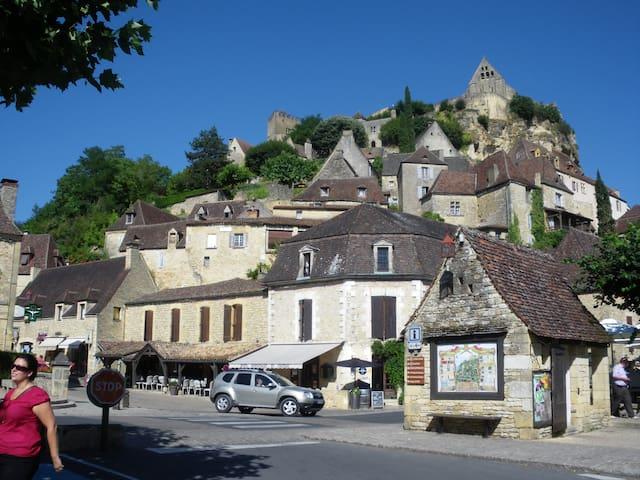 Sous le chateau de Beynac - Beynac et cazenac - Flat