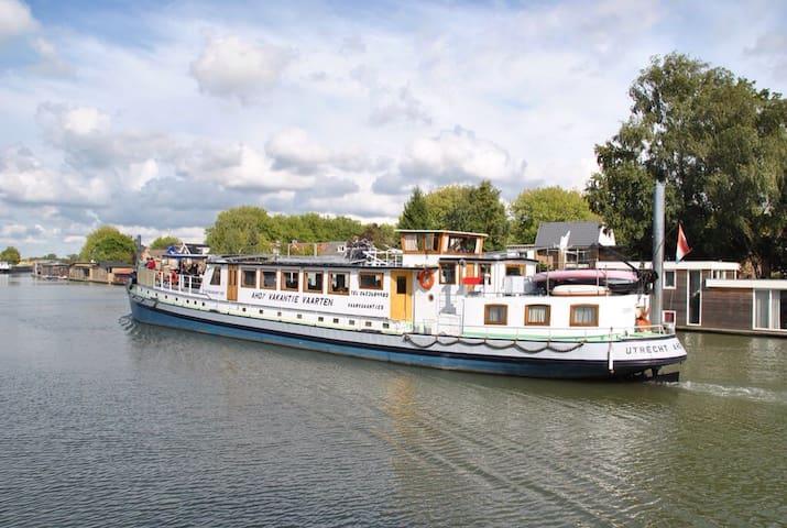 Cabin 3 onboard Passengership Ahoy
