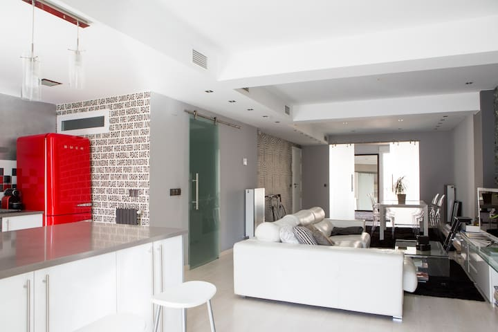 EXCLUSIVE LOFT IN THE CENTER