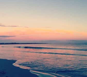 Beach house! Walk/bike to the beach. Narragansett - Narragansett - Rumah