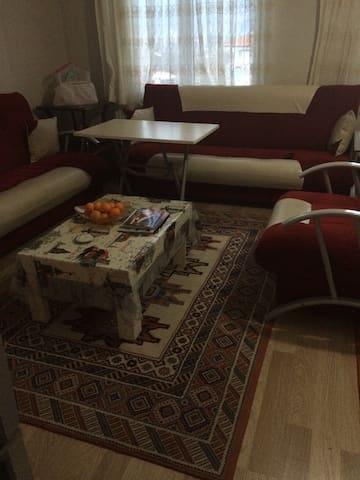Akyaka'ya yakın güzel bir daire - Merkez - Lägenhet