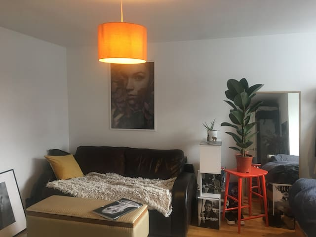big room in the heart of Dalston