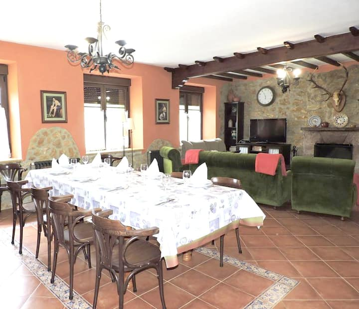 House with 4 bedrooms in Premio, with wonderful mountain view, furnished terrace and WiFi