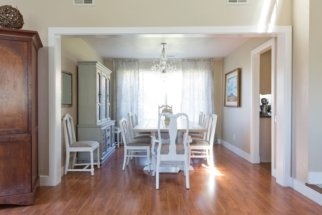 Dining Room seats up to 10