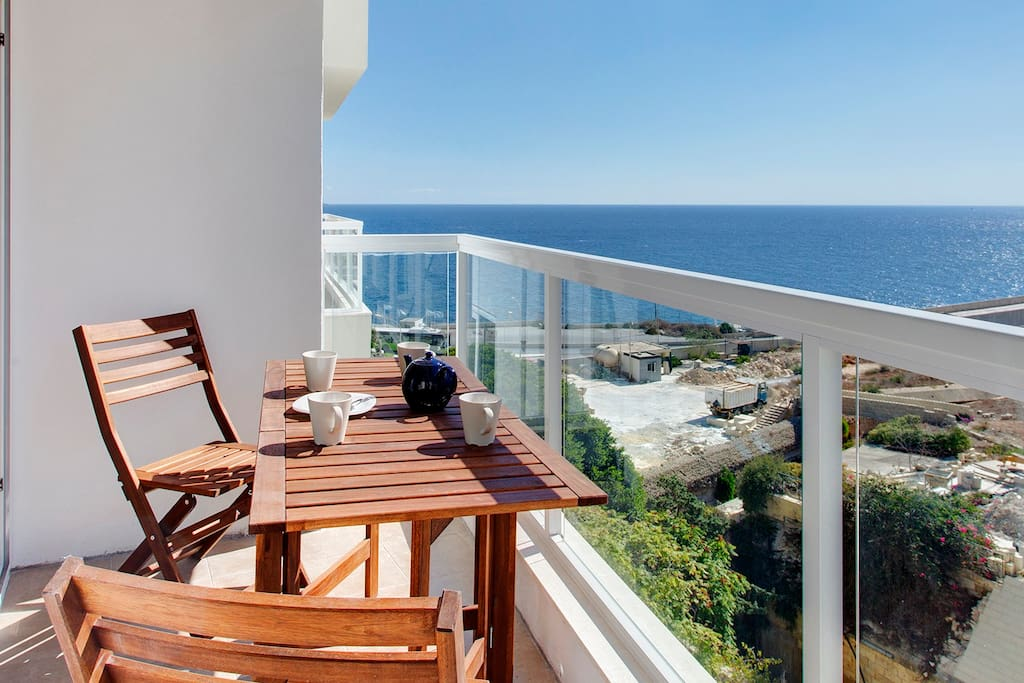 Stunning open Ocean Sea-Views from balcony