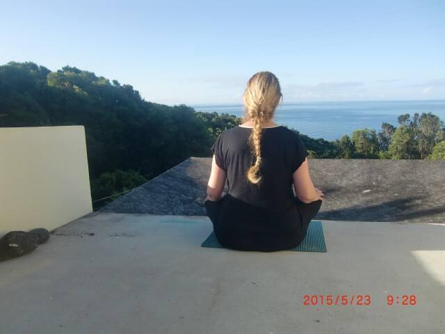 ruhe und entspannung für yoga mit meerblick