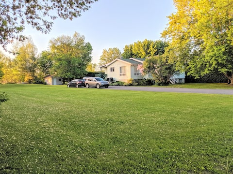 Montreal Area Large 2 Bedroom Country Property!