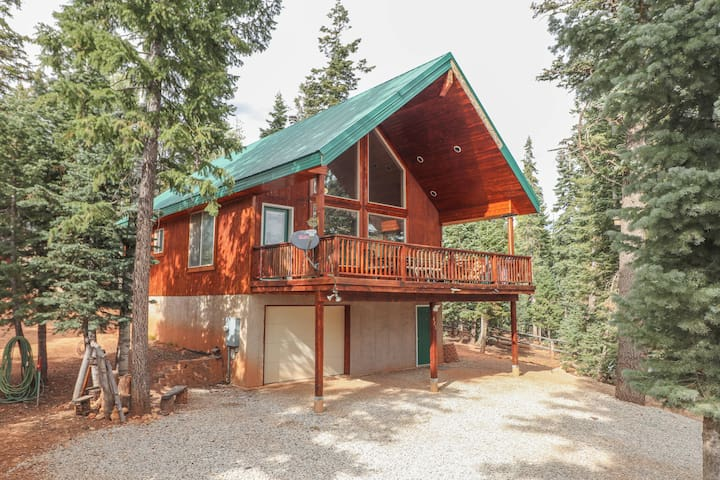 *NO GUEST SERVICE FEE* Meyer Mountaintime Manor