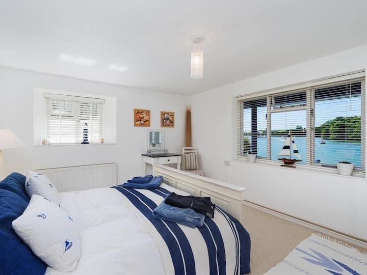 Waterside 2 bed town house