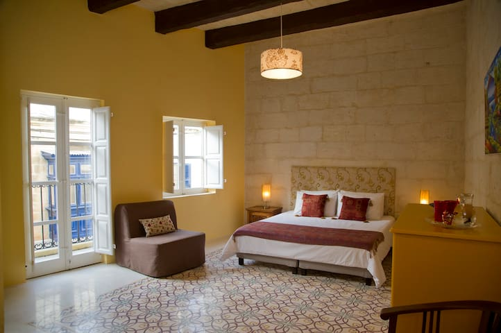 The Stonehouse Malta - 'Amber' Double Room