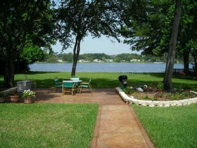 LAKEFRONT HOME NEAR ALL ATTRACTIONS - Apopka - Hus