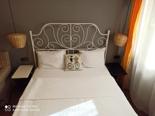 Stylish &Cosy flat 20 meters to metro: Feel home