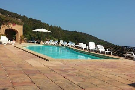 Cameretta indipendente piscina,golf - Cala di Volpe - タウンハウス