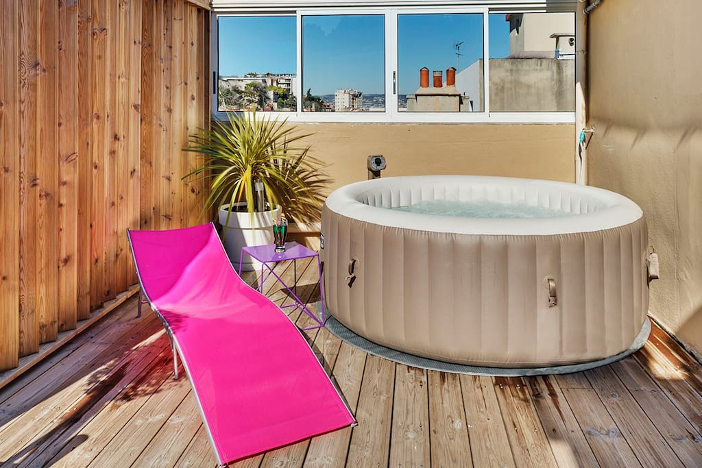 Appartement haut standing jacuzzi flats for rent in marseille provence alp - Installation jacuzzi appartement ...