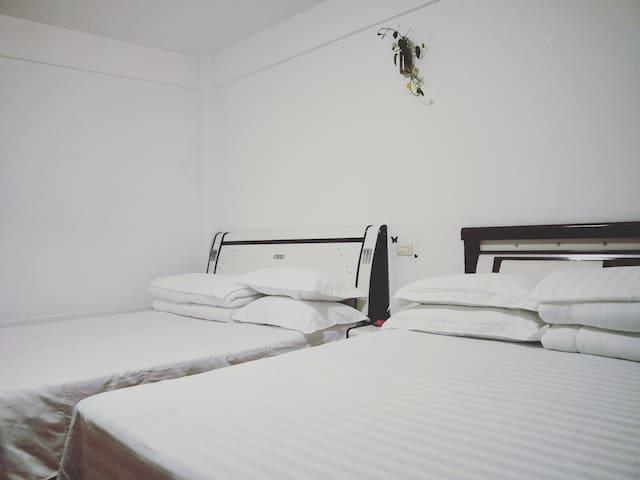 1.8米床双床超大卧室