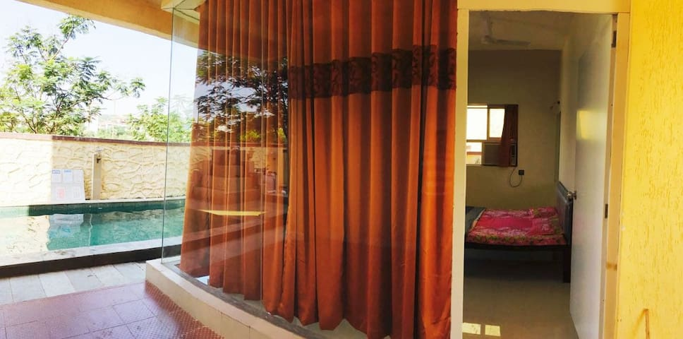 HLC Holiday Homes with Swimming Pool - Pune - Casa de huéspedes