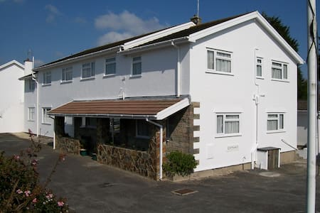 Pen Mar - The Friendly Guest House - Tenby - Bed & Breakfast