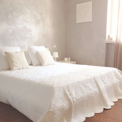 B&B luminosa camera con bagno - Riva del Garda - Bed & Breakfast
