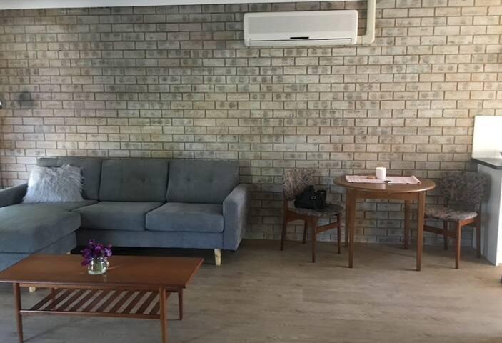 Bathurst CBD Apartment