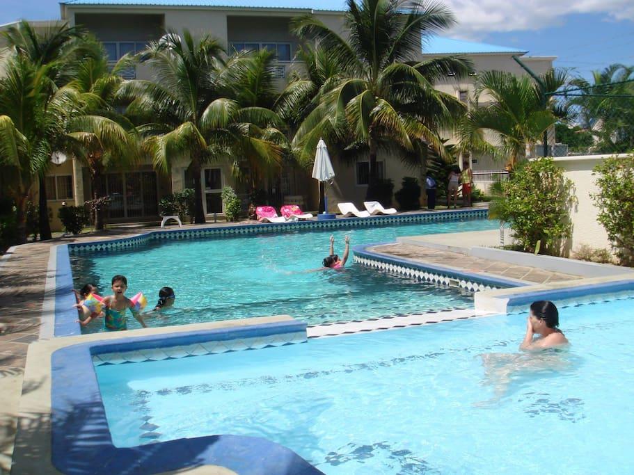 Grande piscine pour le bonheur des petits et grands