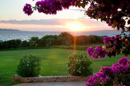 Neapoli 2 bedroom beachfront villa - Voies