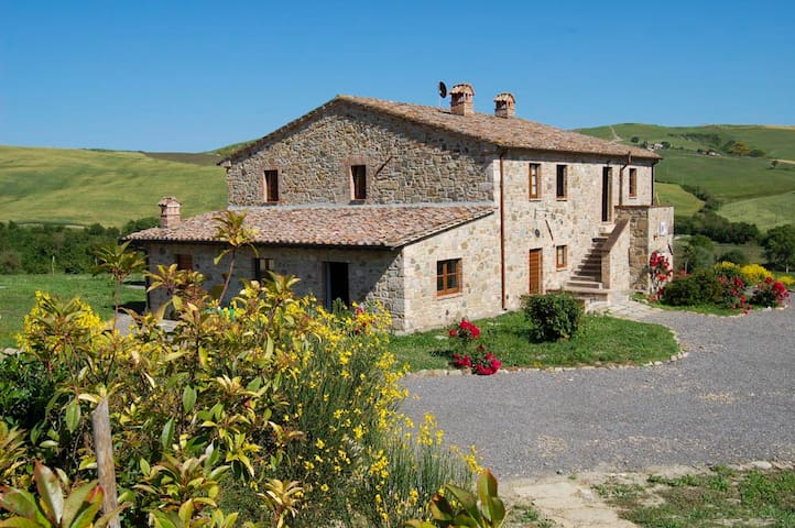 House for 15 p. & pool Val d'Orcia - Celle Sul Rigo - Huis