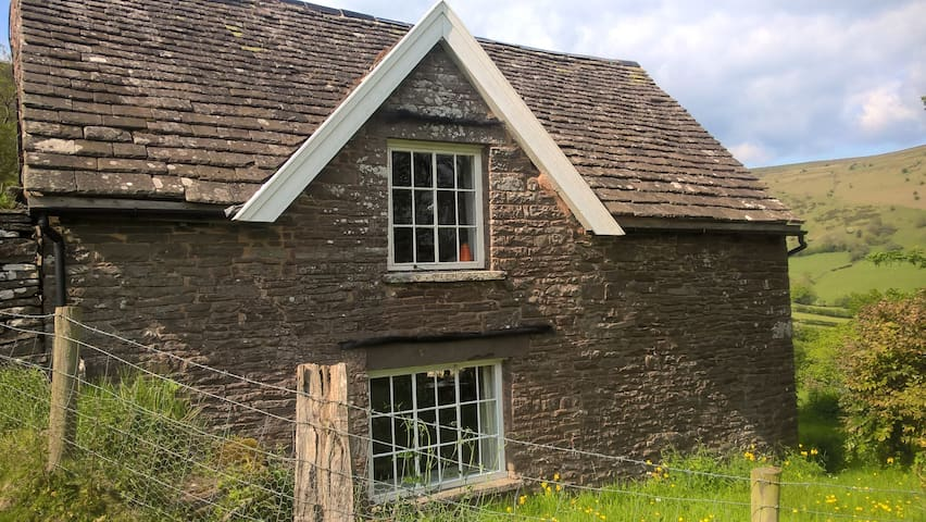 Ty Charles Cottage - Cwmyoy