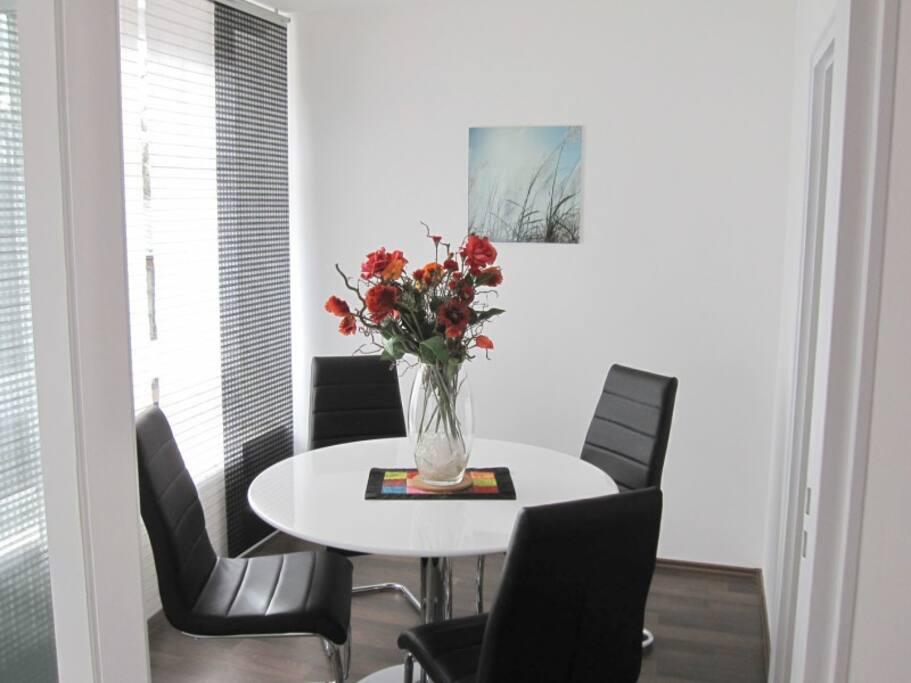 ferienwohnung augsburg zentrum wohnungen zur miete in augsburg bayern deutschland. Black Bedroom Furniture Sets. Home Design Ideas